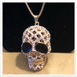 Gold Skull Necklace NEW☠️☠️☠️